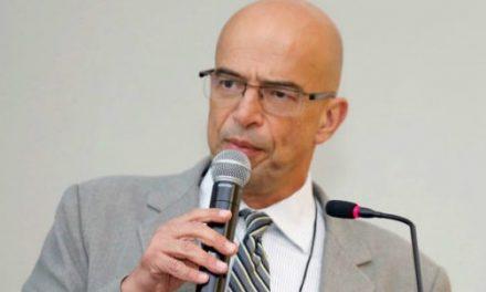 Gesner Oliveira mostra otimismo cauteloso com economia brasileira após eleições