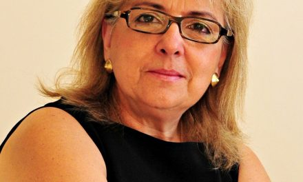 Leyla Nascimento toma posse como presidente da WFPMA em Chicago