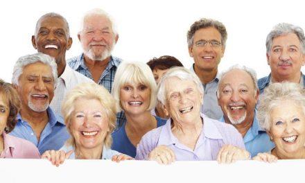 Consumidores acima dos 60 anos devem ter o maior crescimento nas compras de fim de ano pela internet, segundo Rakuten