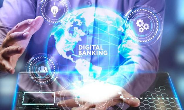 Brasileiros utilizam mais canais digitais para transações bancárias básicas, revela pesquisa da Deloitte