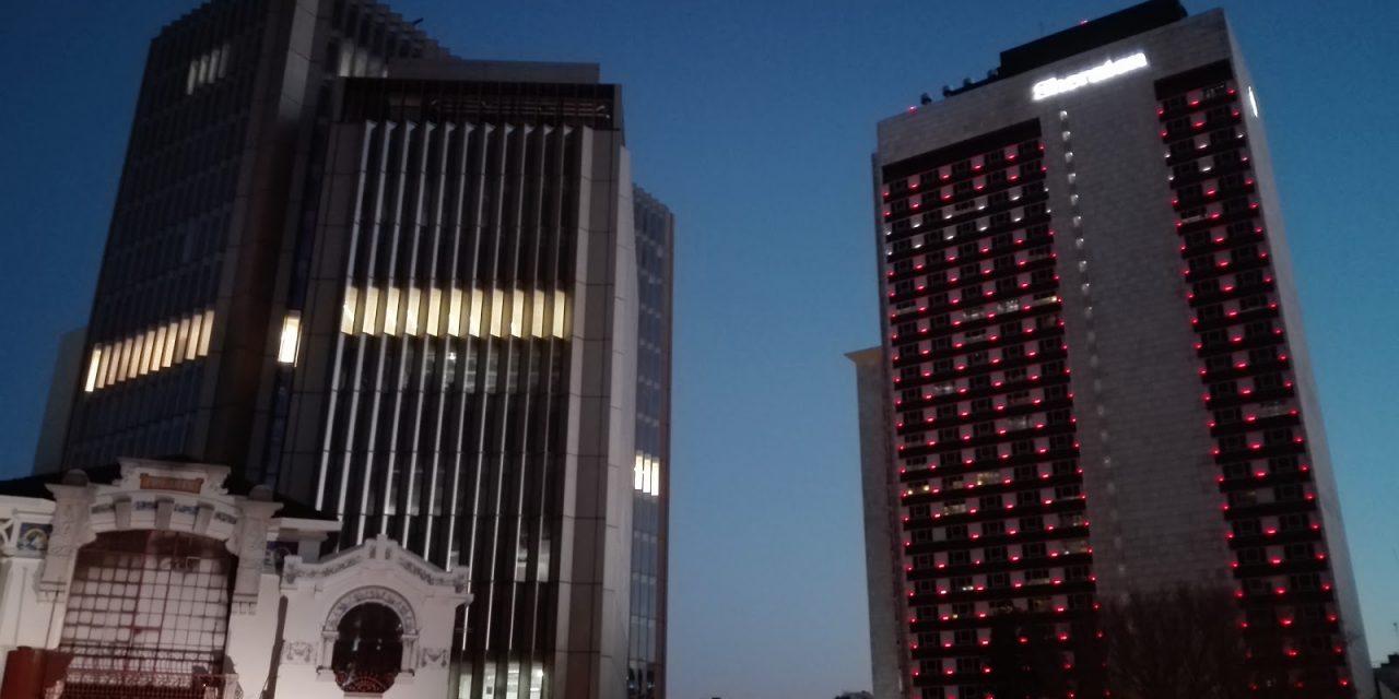 Pesquisa analisa como fintechs e bancos podem democratizar os serviços financeiros na América Latina