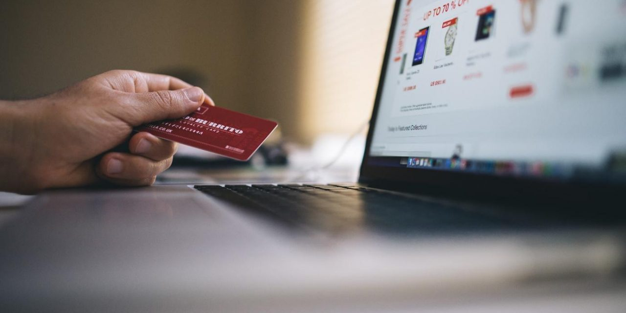 Brasileiros estão entre os que mais usam sites para fazer compras no mundo, aponta Wirecard