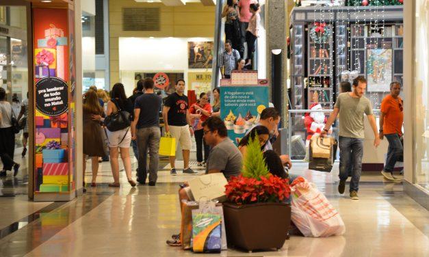 Fluxo de consumidores no varejo durante as compras de Natal registrou aumento de 0.34%