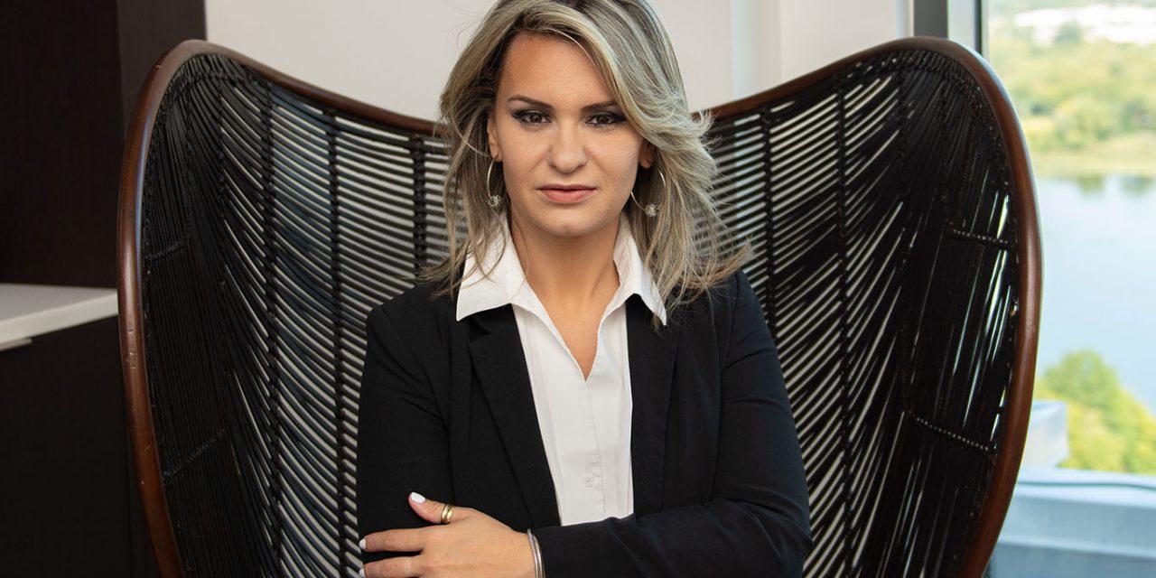 Jordana Luchetti, empresária multimídia
