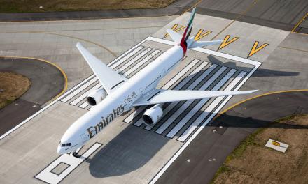 Emirates coloca os clientes em primeiro lugar nas políticas de isenções relacionadas à covid-19