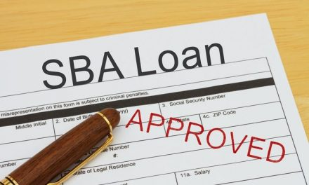 Com $349 bilhões em capital de emergência para pequenas empresas liberados, SBA e Tesouro começam um esforço sem precedentes de mobilização público-privada para distribuir fundos