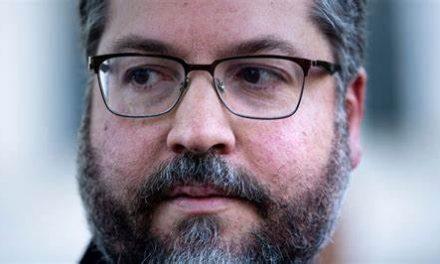 Ernesto Araújo é o pior ministro, avaliam líderes do Congresso