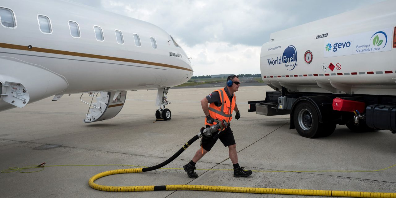 Líderes da aviação lançam o primeiro estudo em voo de emissões de combustível 100% sustentável com avião comercial de passageiros