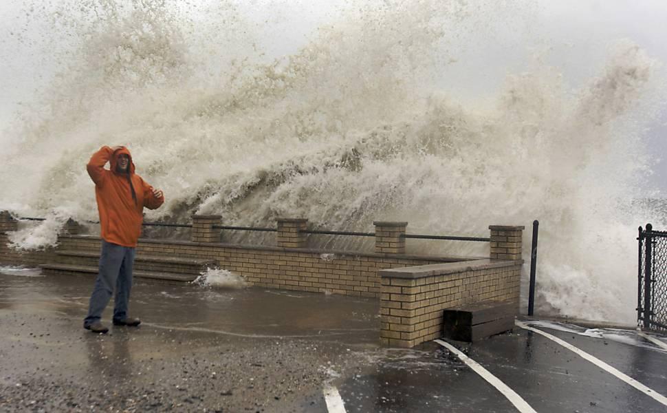 Mudança climática responde por US$ 8 bi em perdas com o furacão Sandy, novo estudo conclui
